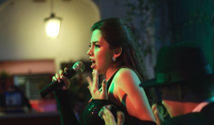 Frances Cantante y Pianista 1