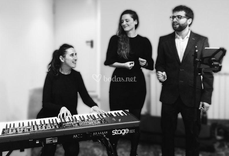 Armonía a tres voces