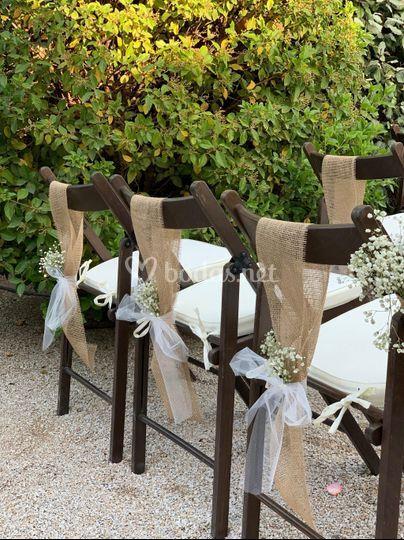 Decoración sillas ceremonia.