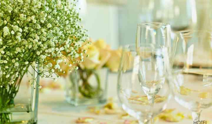 Centro de mesa, flores.