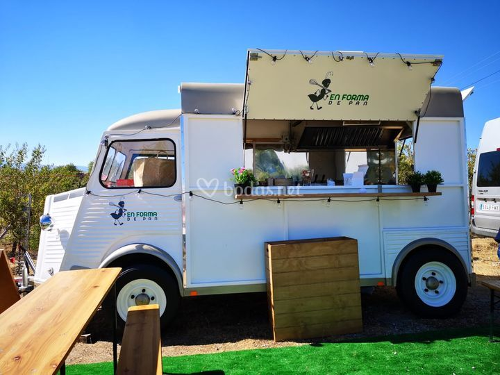 Lateral food truck