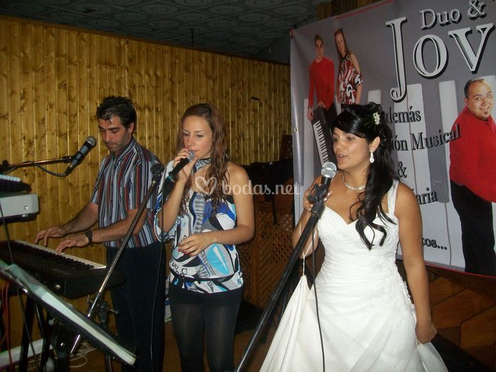 Cantando la novia