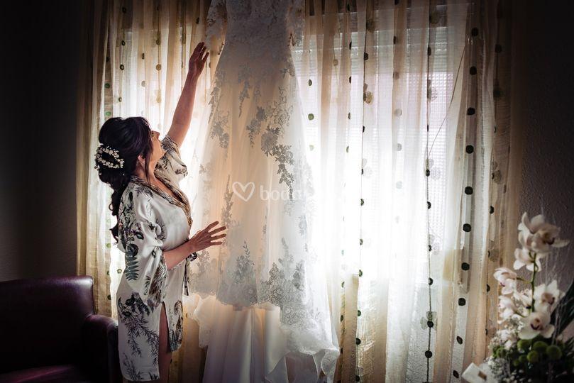 Ana prepara su vestido