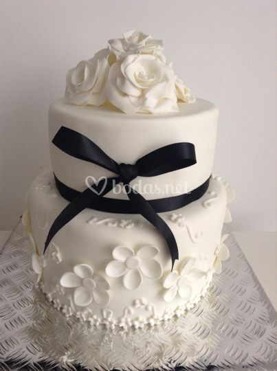 Tarta rosas blancas
