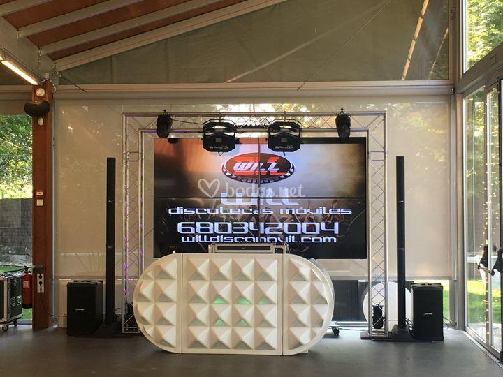 Discoteca 3d y pantalla