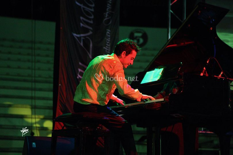 Diego Gallego durante una actuación