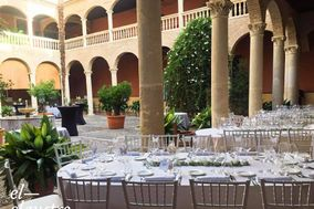 AC Palacio de Santa Paula, Restaurante El Claustro