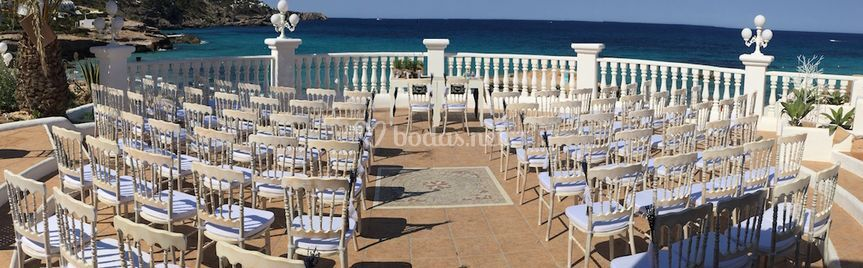 Ceremonia con sillas napoleón