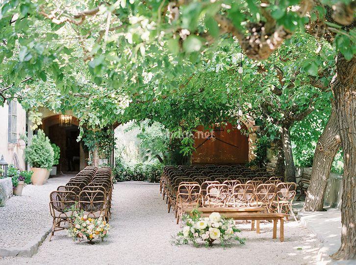 Ceremonia bajo los árboles