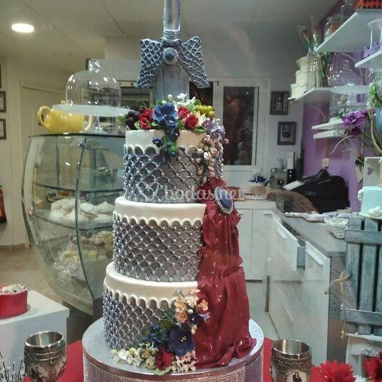 Tarta de tres pisos para boda
