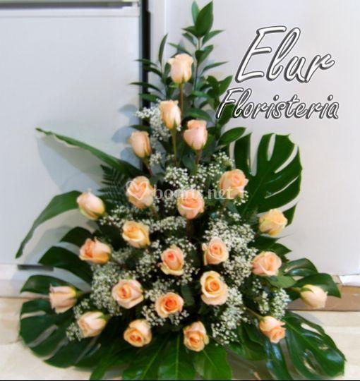 Centro rosas decoración boda