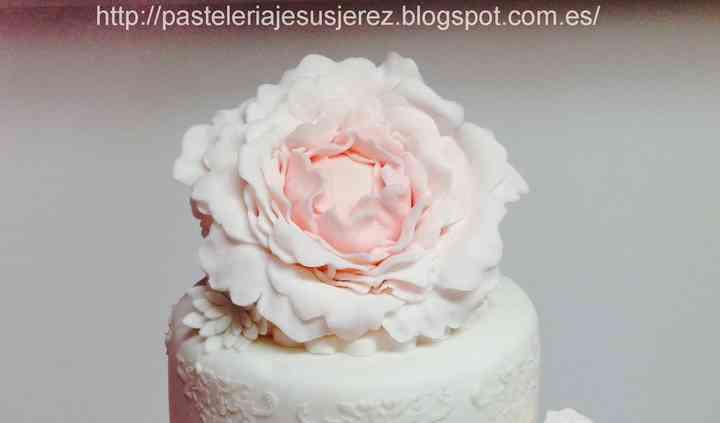 Detalle tarta fondant Peonías