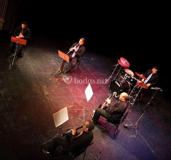 Clarcusión Band tocando