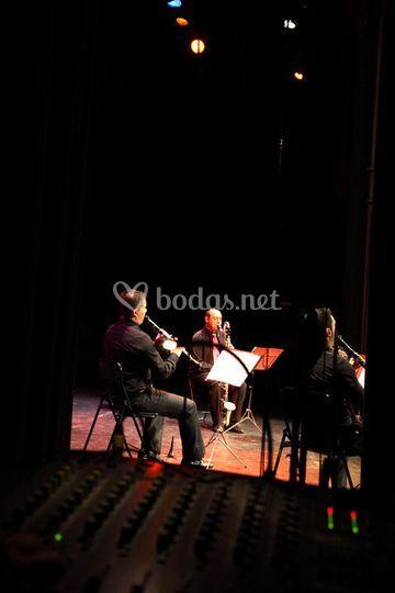 Clarinetes y percusión en directo
