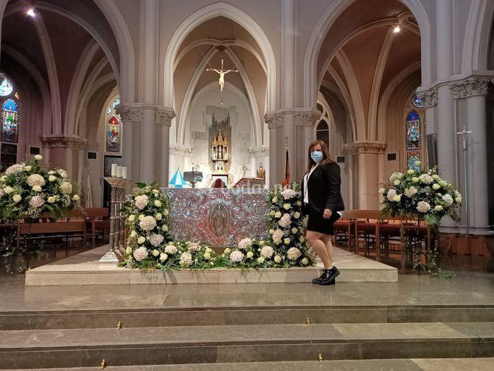 Decoración floral para la iglesia