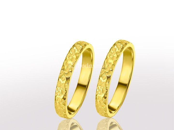 Alianza oro texturada