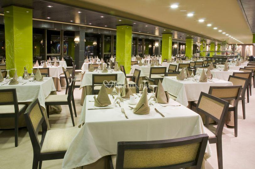 Hotel Arenas del Mar