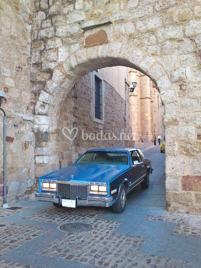 Cadillac Puerta Obispo
