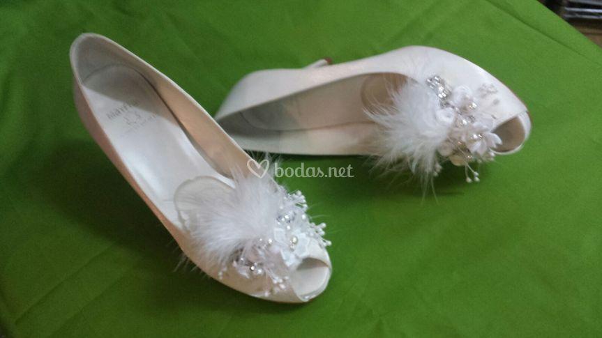 Zapatos raso con adornos