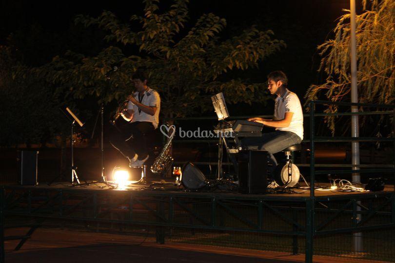 Noche de verano con música