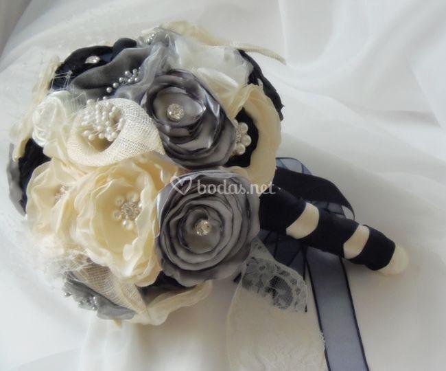 Ramo de novia vintage broches