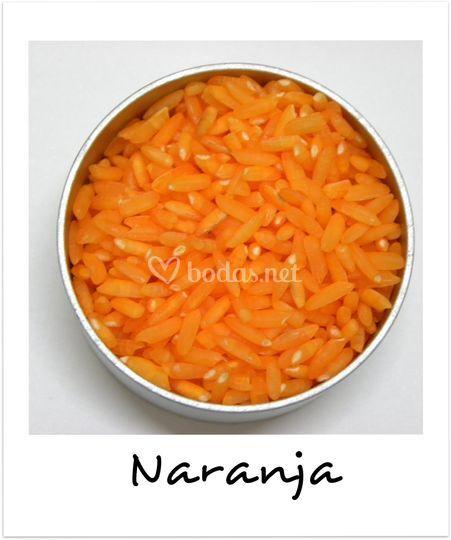 Granos de arroz anaranjados