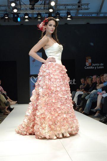 Vestido novia rosas