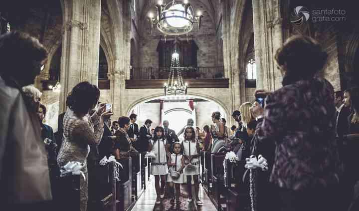 Entrando a la iglesia