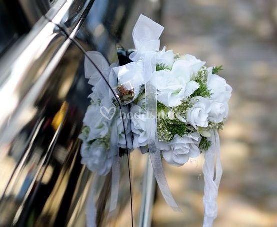 Detalle flores coche nupcial