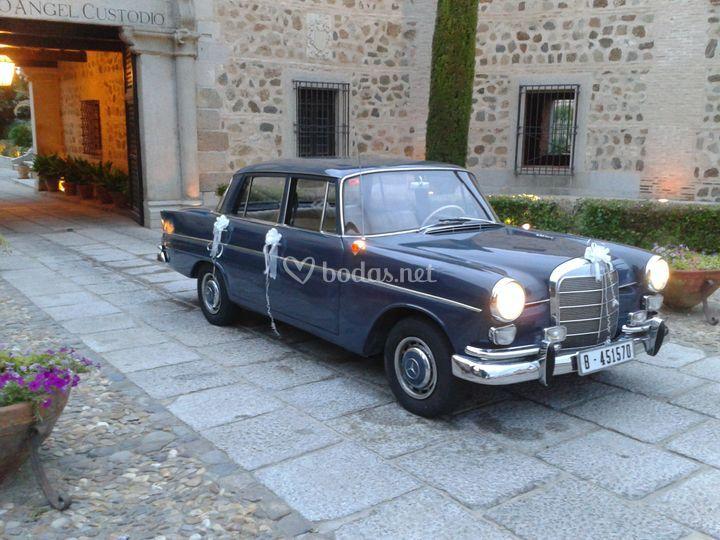 Mercedes 220 Colas  años 60