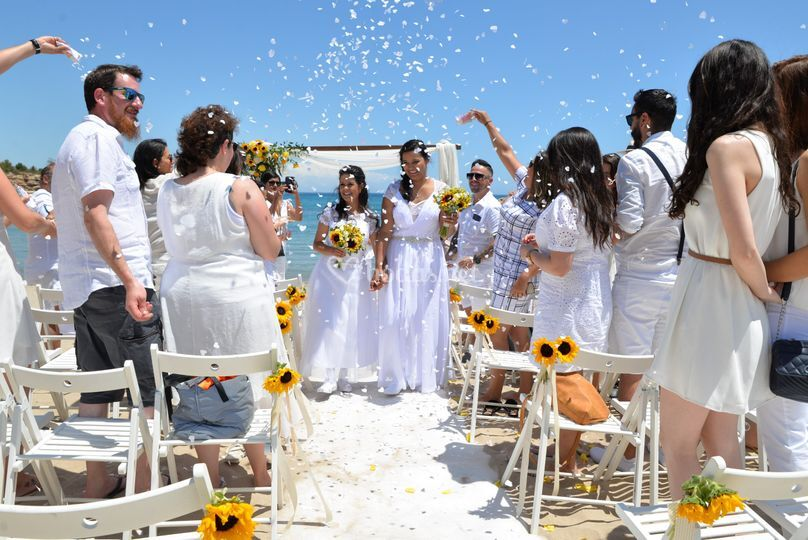 Salida de las novias
