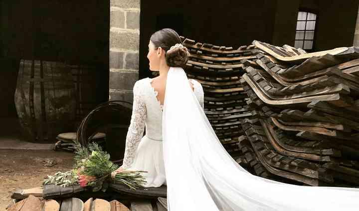 Recogido de novia con velo