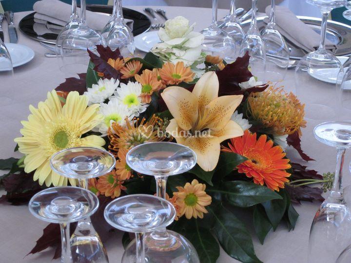Centro mesa restaurante de lantana arte floral foto 30 for Centros de mesa para restaurantes