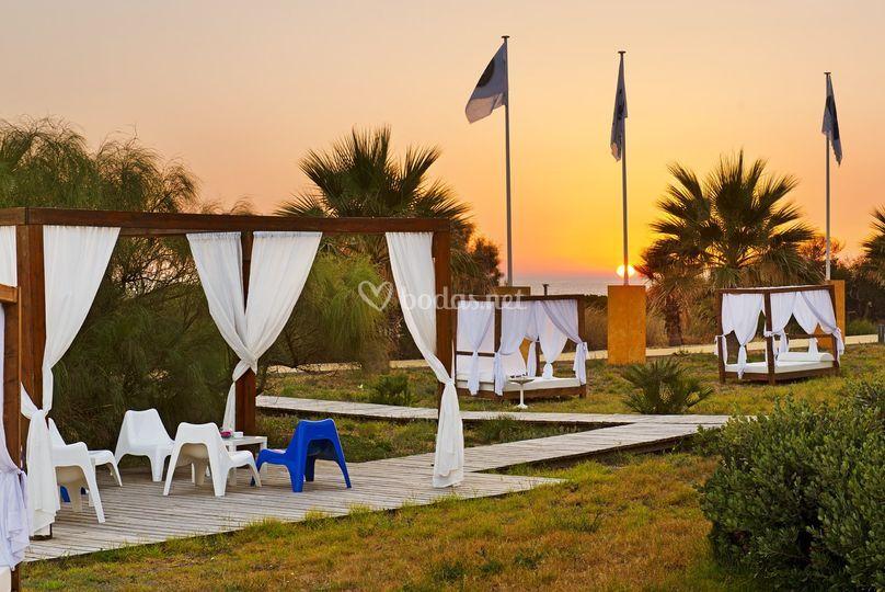Beach club puesta de sol