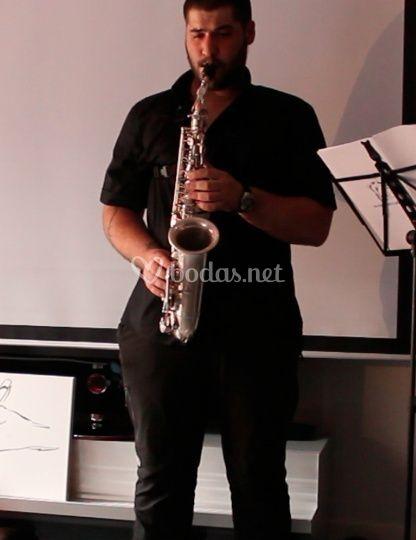 Saxofonista: Iskander Vesga