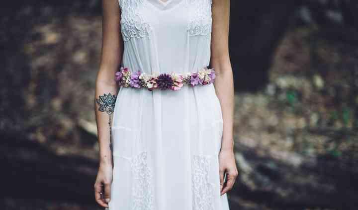 Cinturón de flores preservadas