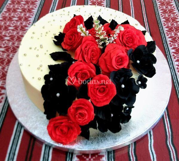 Tarta boda, rosas hechas a mano