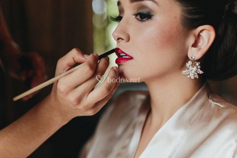 Novias glamurosas de Sarah Miller Makeup