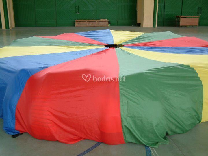 Juegos con paracaídas