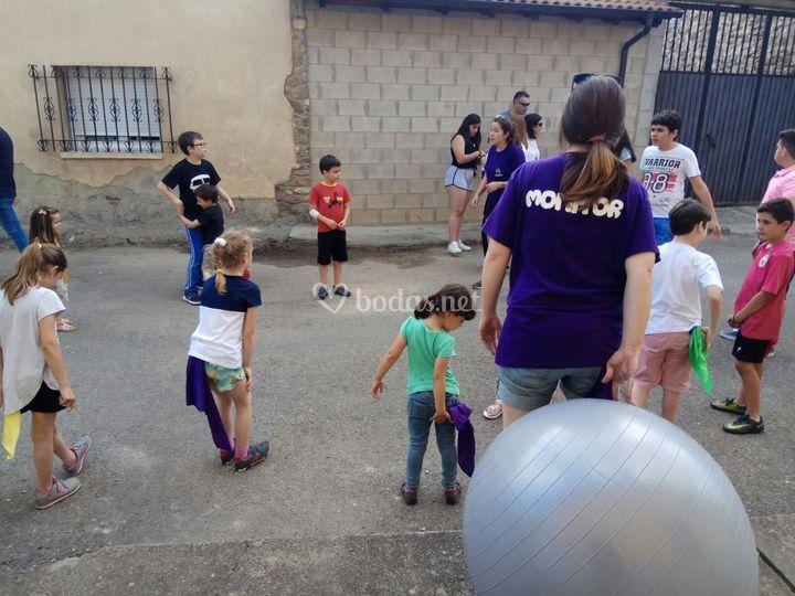 Jugando con una gran pelota