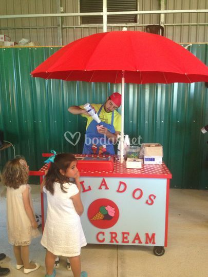 Carros de helados y crepes