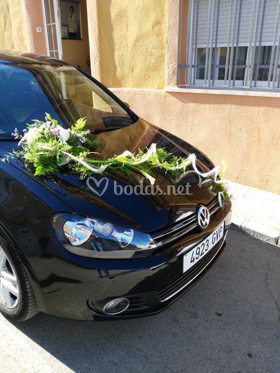 Decoración de coche de boda