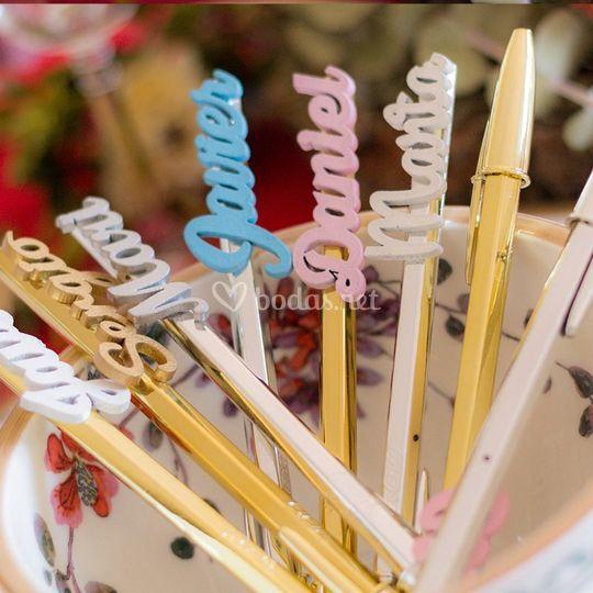 Bolígrafos nombres invitados