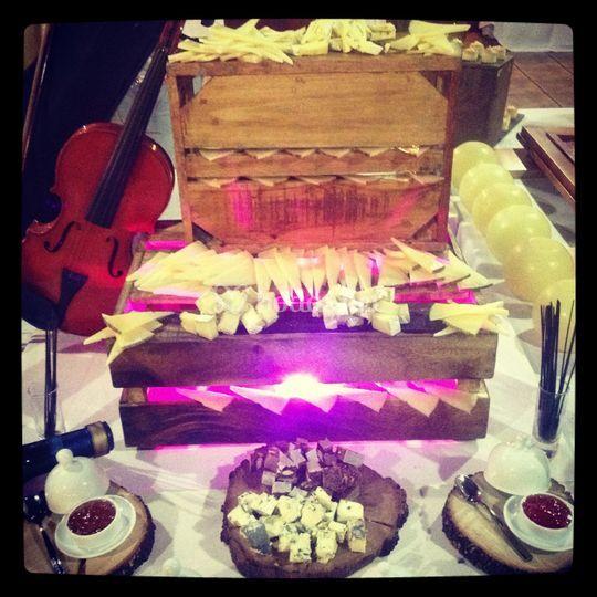 Mesa de quesos y mermeladas