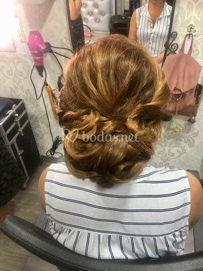 Rocío - Hairstyle and make up