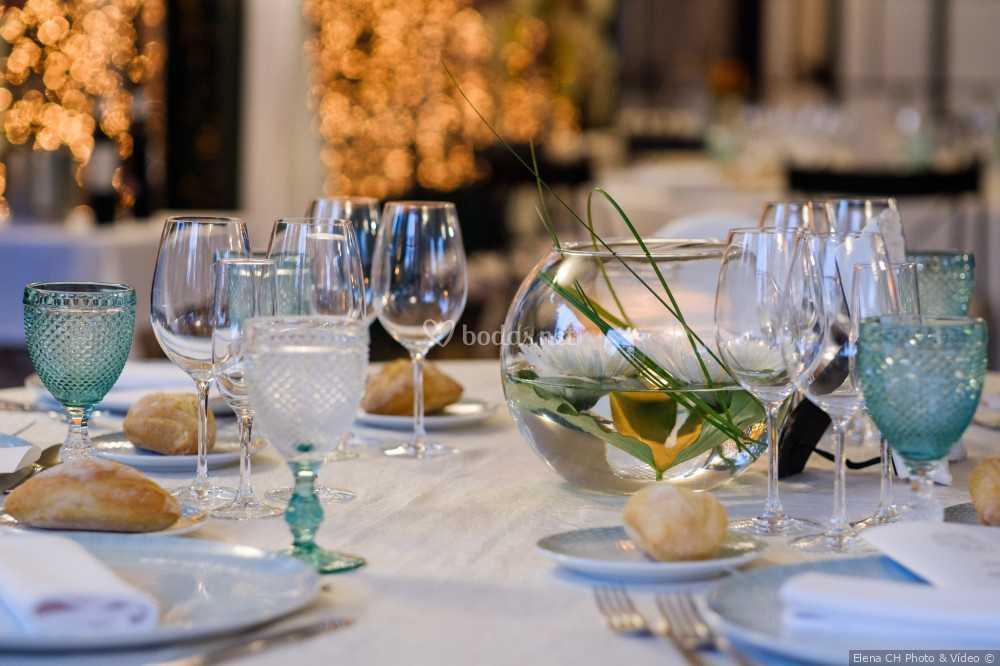 Detalle de mesa de invitados