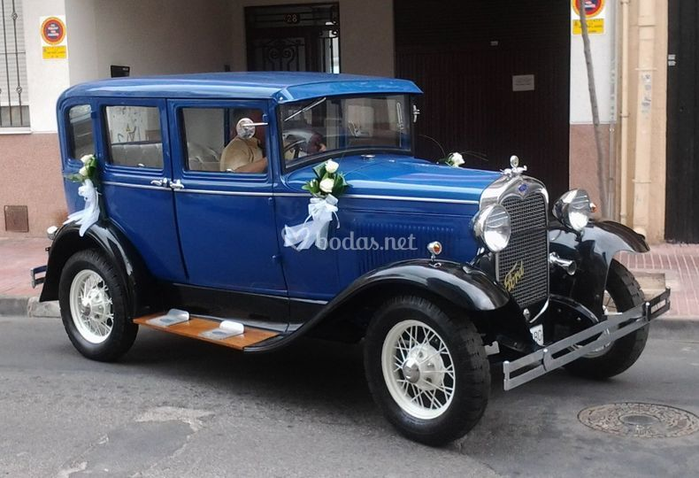 Ford a de 4 puertas