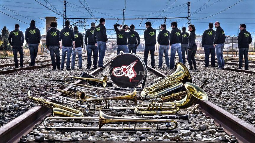 Vías del tren e instrumentos