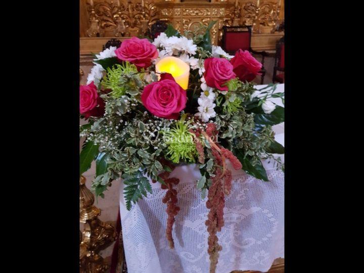 Centro floral de rosas