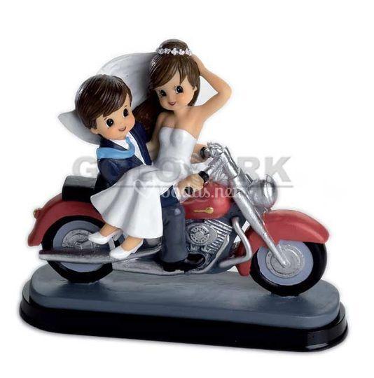 Novios en moto